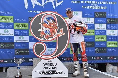 Toni BOU celebration - Repsol Honda FIM TRIAL 2015 Pacos de Ferreira