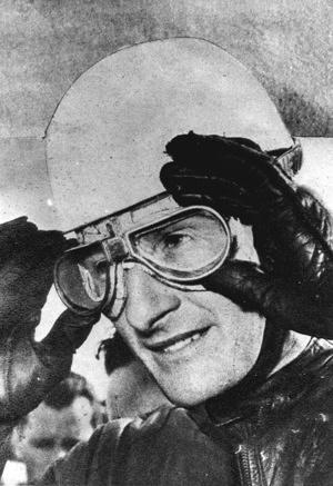 1949 Road Racing GP500 Graham Leslie UK portrait World Champion
