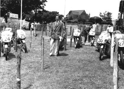 1959 Road Racing GP125 Hunt Bill Honda team manager Tourist Trophy Isle of Man