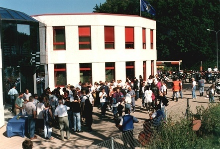 1996 FIM Motocamp visit of the participants to the FIMheadquarters Mies SUI
